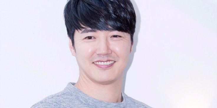 O ator Yoon Sang Hyun assina com a C-JeS Entertainment