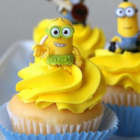 #loves #banana #minions ana #cupcake ✌✌✌❤❤