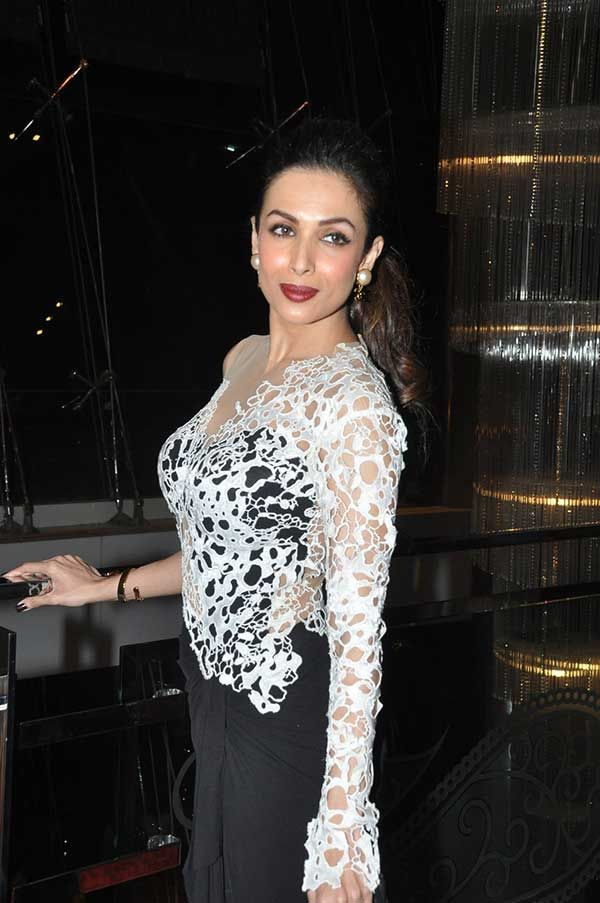 The svelete Malaika Arora Khan looked dazzling as the judge of Maxim Girl Contest.