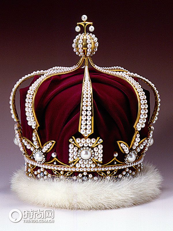 Mikimoto Pearl Crown Royal Crown Jewels Royal Jewelry