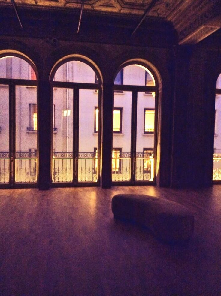 Le Foyer la nuit #elephantpaname #ep #paris #foyer #night