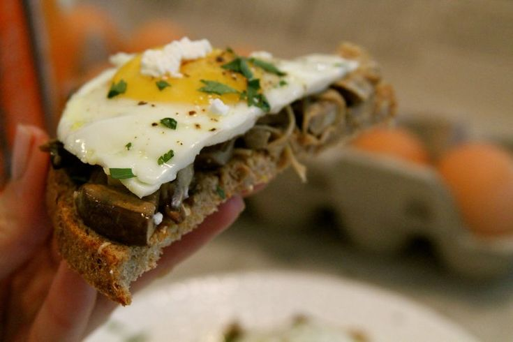 mushroom egg breakfast: Recipe, So Cute, Eggs Breakfast, Everyday Cooking, Mushrooms Eggs, Not So Cut Sandwiches, Breakfast Sandwiches, Favorite Breakfast, Egg Breakfast