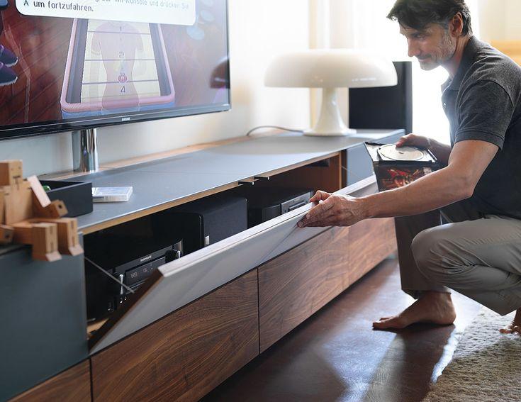 Team7 - cubus pure Home Entertainment mit Stoffklappe für eine perfekte Akustik