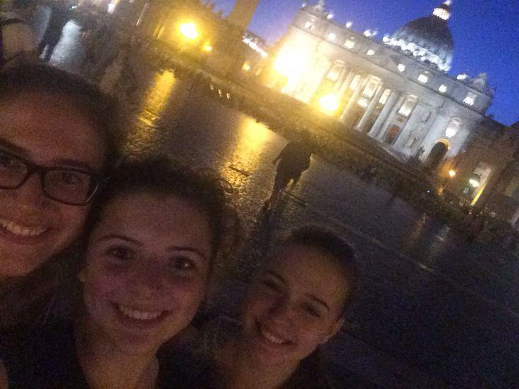 Woensdag 7 oktober Tijdens de fietstocht samen met Tinka en Laura bij het Vaticaan