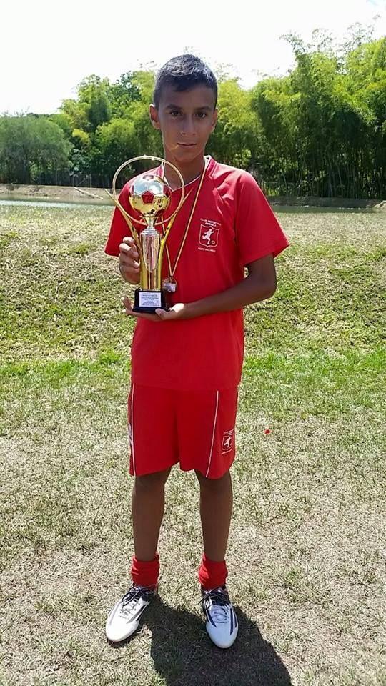 ANDERSON GARCIA VELANDIA, Cali.  13 años, delantero en Club America Pedro Sellares.  Características: Velocidad, Entrega, remate potente