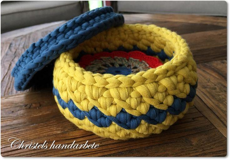 Crochet basket, virkad korg med lock