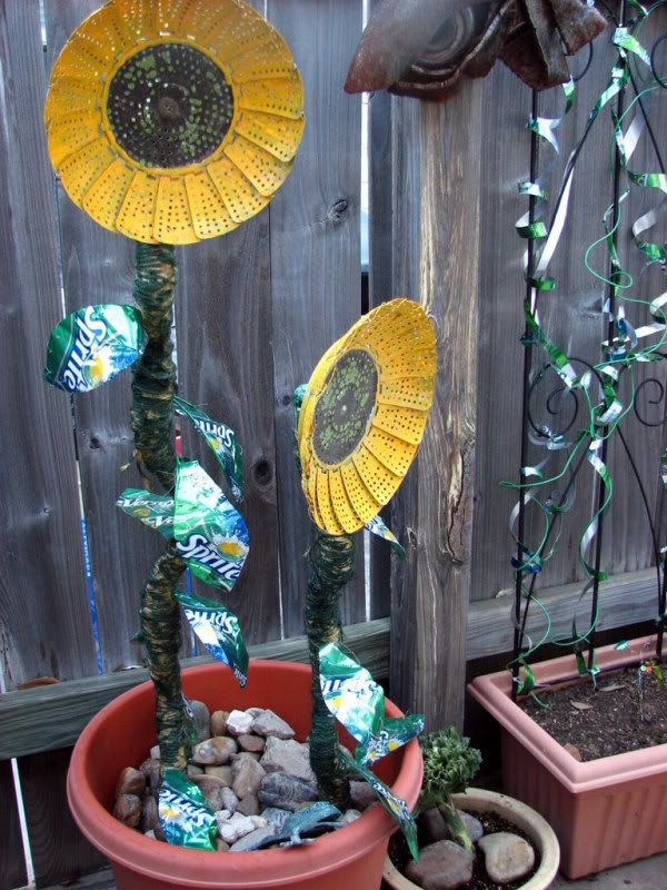 25 best recycled garden art ideas on pinterest yard art for Recycled glass art projects