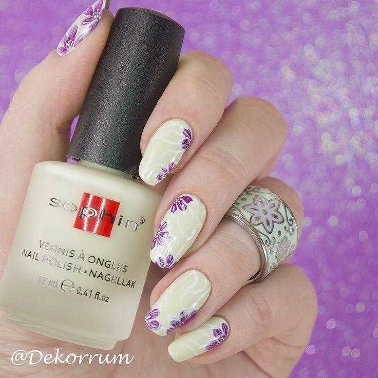 Цветочки и @sophincosmetics Matte Allure идеально сочетаются прекрасный фон для акриловОй росписи никакой возни с матовым топом. #sophin #sophinrussia #sophincosmetics #sophinmatteallure @sophin_russia