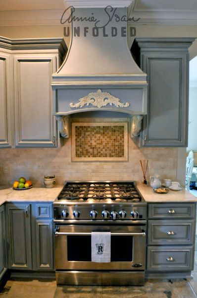 Chalk paint kitchen cabinets stove annie sloan for Can i paint kitchen cabinets with chalk paint