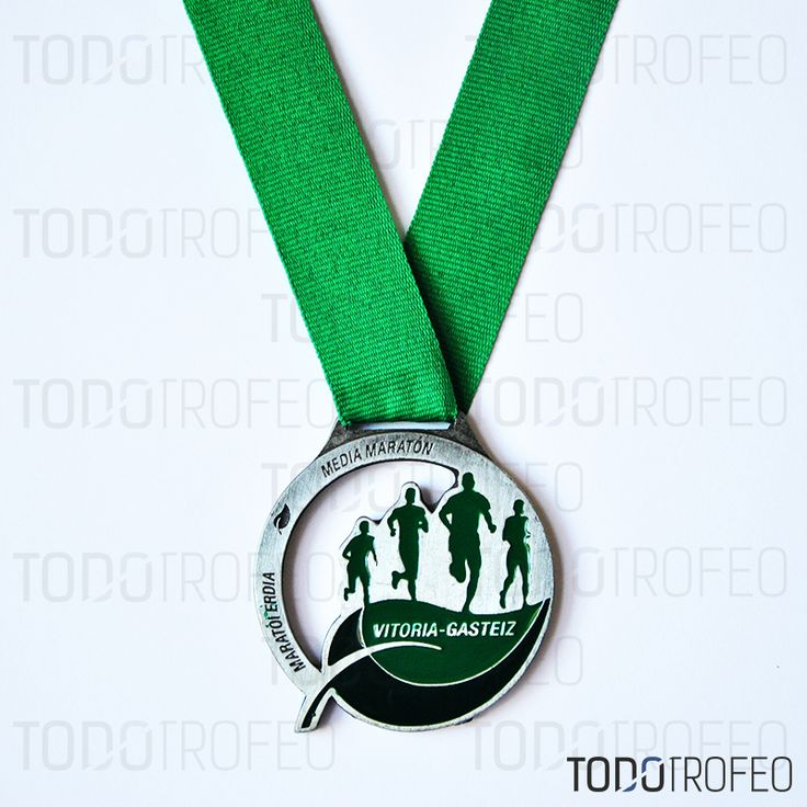 MEDALLA MEDIO MARATÓN DE VITORIA 2012. Diseñamos las medallas para su evento deportivo. Pide su presupuesto a través de: todotrofeo@todotrofeo.com VITORIA HALF MARATHON MEDAL 2012. We design your sport event medals. Request your budget in: todotrofeo@todotrofeo.com