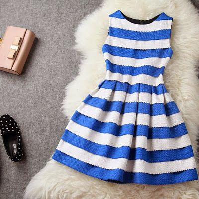 Blue and white... Perfect for a day wedding