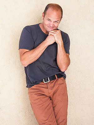 """""""I drank to change how I felt inside, and that's basically a one-way ride to oblivion."""" True Blood's Chris Bauer Reveals His Drug and Alcohol Past"""