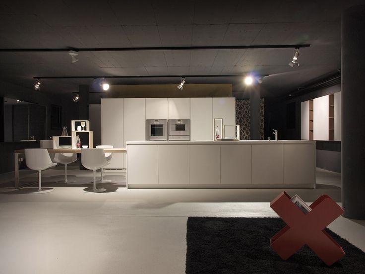 Cucina alea di varenna poliform showroom lacasa mendrisio pinterest showroom - Poliform showroom ...