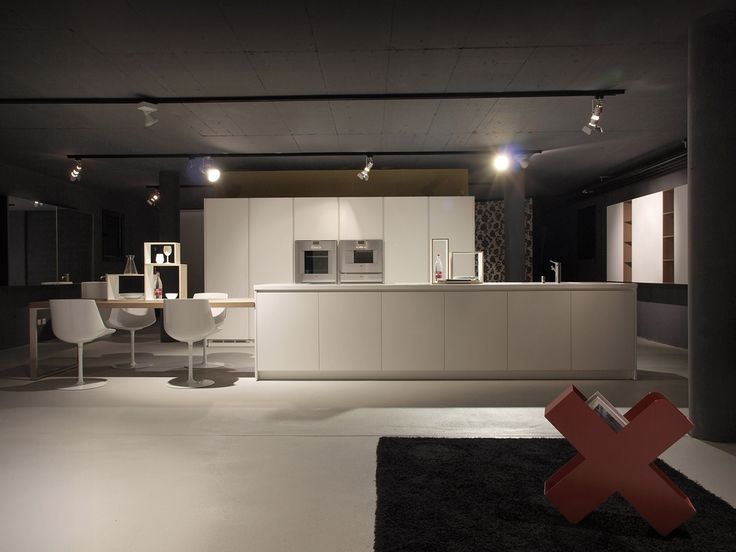 Cucina alea di varenna poliform showroom lacasa mendrisio pinterest showroom - Poliform showroom ...