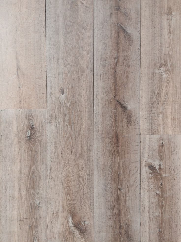Old Floor XXL Limited edition. Kasteel eiken duoplank. Afwerking: insect gaatjes, (geschraapt), gerookt en grijs-wit geolied. 18 en 26 cm breed, toplaag 4mm.