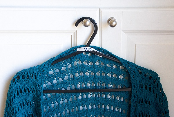 Hanging Tip by jengrantmorris.blogspot: Why haven't I ever thought of this? #Hanger #Closet #jengrantmorris_blogspot