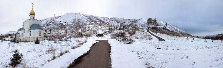Село Костомарово, Спасский монастырь