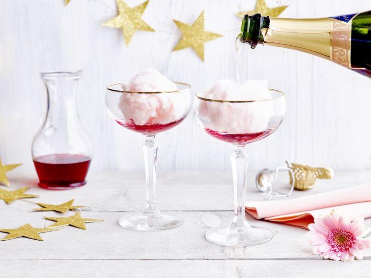Champagnecocktail met suikerspin - Libelle Lekker