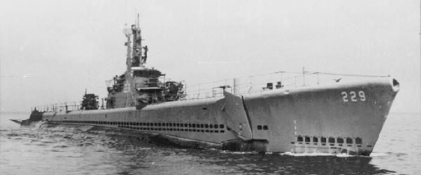 USS Flying Fish (SS-229) Gato-class US Navy submarine during WWII. (wikipedia.image) 5.17