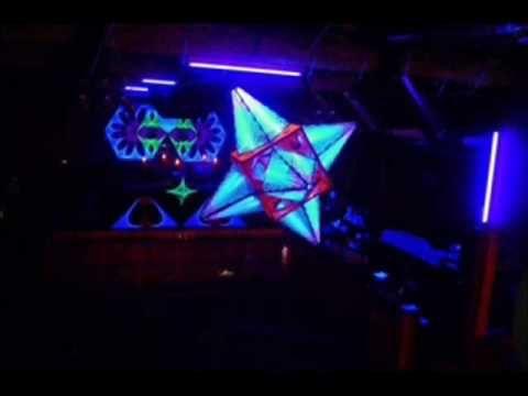 David Vendetta & Rachael Starr - Bleeding Heart (Vocal Mix) - http://www.justsong.eu/david-vendetta-rachael-starr-bleeding-heart-vocal-mix/