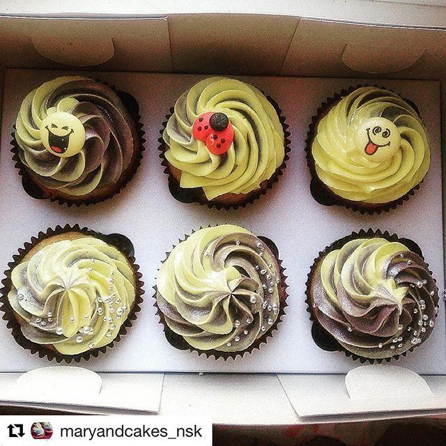 #Repost @maryandcakes_nsk with @repostapp ・・・ Делая заказ, попросили удивить)  Перед вами банановые капкейки с ежевикой  и белым шоколадом. И все это приправлено серебряной искрой💫 Надеюсь - удивлю 😁 Капкейки, напоминающие о лете) . #капкейк #капкейки #cupcake #cupcakes #сладости #десерт #cake #выпечка #тортназаказ #шоколад #домашняявыпечка #сладкийстол #торты #Новосибирск #cakes #капкейкиназаказ #instafood #handmade #сладкое #candybar #foodporn #торт #тортыназаказ #ручнаяработа…