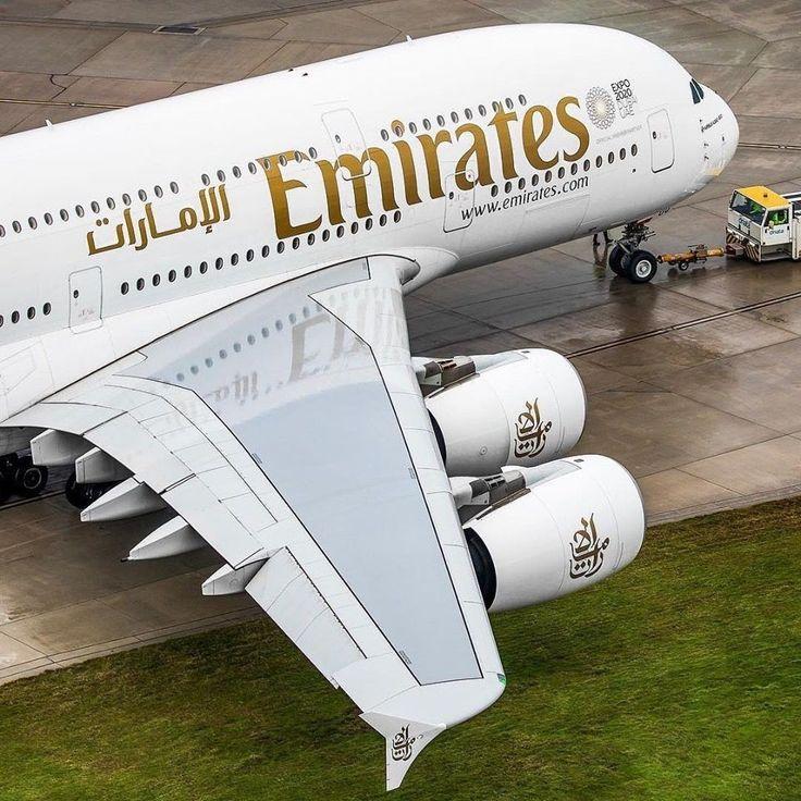 emirates airlines aircraft aviation Flight status