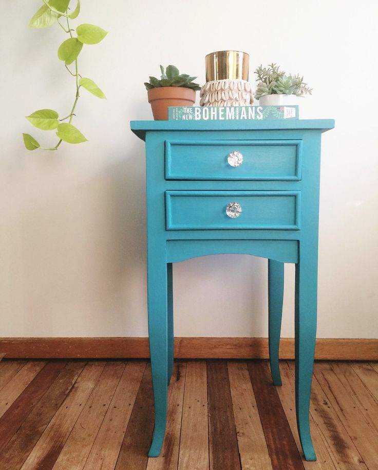 A little side table painted in Mezzie and Frank Chalk effects paint.