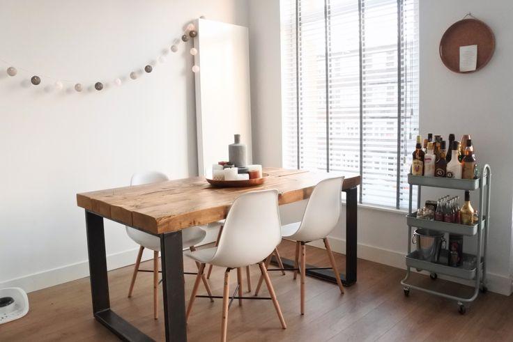 25 beste ideen over Witte stoelen op Pinterest