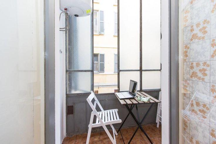 Airbnb'deki bu harika kayda göz atın: Cozy apt. in San Babila/Duomo area - Milano şehrinde Kiralık Apartman daireleri: san babila