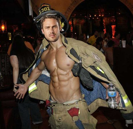 Taylor Kinney - Chicago Fire