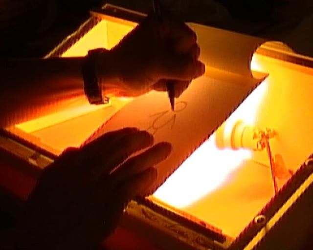 10_Comment construire sa propre table lumineuse ? on Vimeo