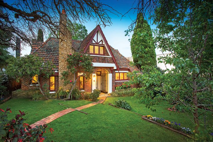 South Yarra- Abercromby's Real Estate