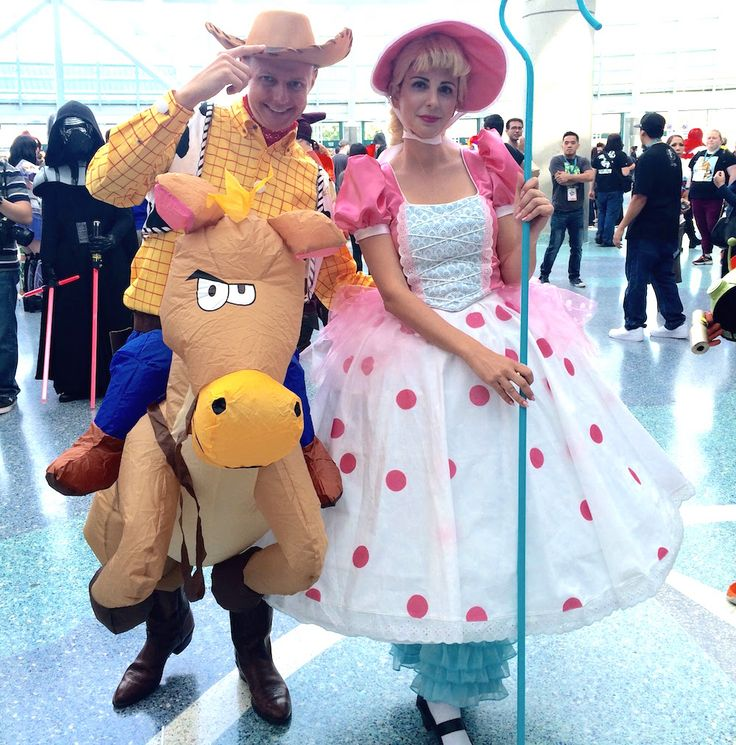 The best Disney costumes from WonderCon 2016 | Woody and Bo Peep cosplay | [ https://style.disney.com/news/2016/03/29/wonderful-disney-costumes-from-wondercon-2016/ ]