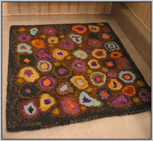 While decorating a bedroom it is easier to choose themes, furniture, and other accessories. However, the most important decision that has to be made is about the size, orientation, and position of a rug. It is very important to choose right type of rug... #flatweavecarpet #hookedrugs #knottedrugs