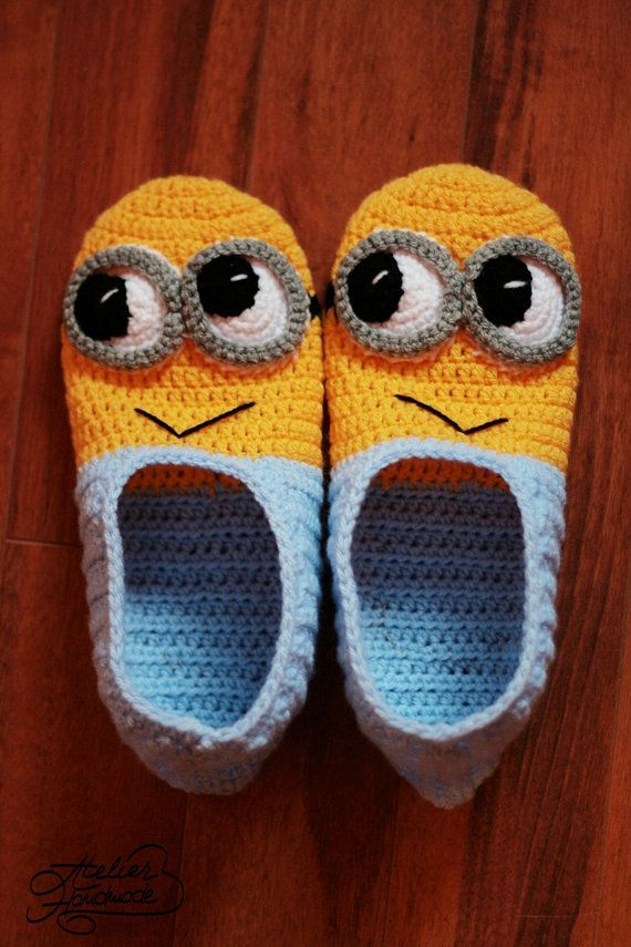 Free Pattern Crochet Minion Slippers : Crochet Patterns - Minion Slippers and Purse Crochet ...