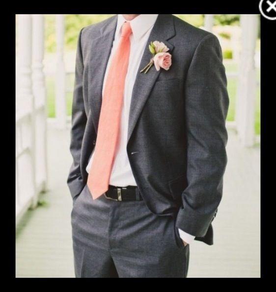 corbata del novio en coral