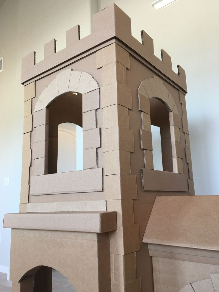 Best 25 cardboard castle ideas on pinterest cardboard for Castle made out of cardboard boxes