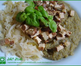 Hrachovka s marinovaným tofu a kysaným zelím