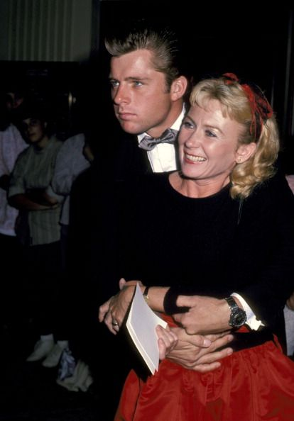 maxwell caulfield and juliet mills couples some