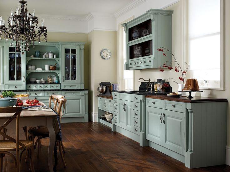 Grønt kjøkken, mørkt gulv