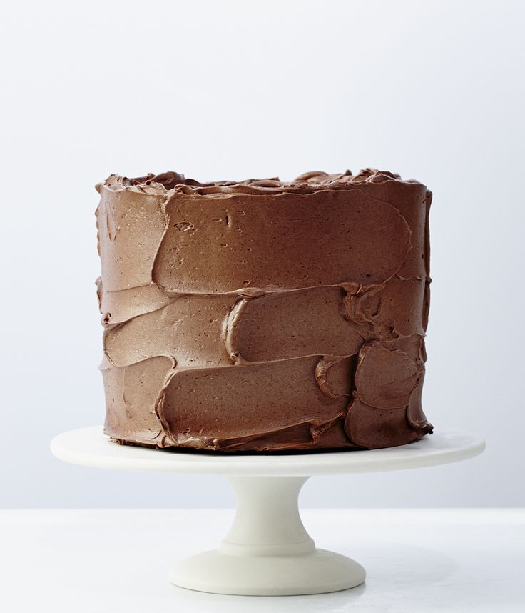 The Prime Source for a Well-Crafted Kitchen // Herriott Grace, chocolate cake