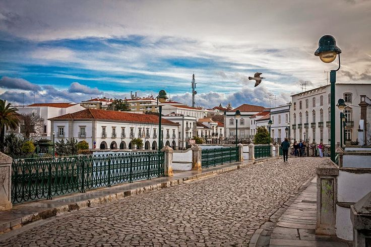 Faro, naturaleza e historia en el Algarve | Via Naturaleza y Viages Blog | 11/04/2016 Ahora que asoman días más largos, que el sol comienza a calentar más tímidamente y que a todos nos apetece una escapada de fin de semana voy a hablaros de Faro, uno de mis últimos grandes descubrimientos en el Algarve. #Portugal