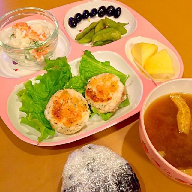 最近、赤味噌の味噌汁が好きになりました。 - 84件のもぐもぐ - 5歳児 夕飯 by にゃんこmo
