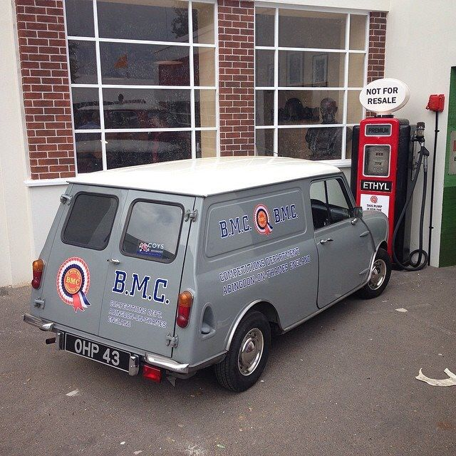 BMC . Abingdon on Thames , (replica) works van .