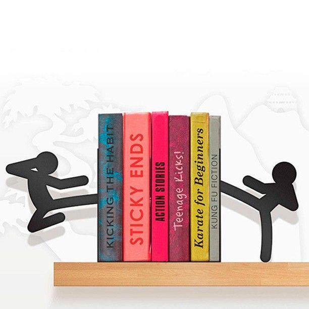 #AmazingThings ¡Soporte para Libros Stickmen Bookends! Vas a necesitar más de un par de libros o DVD para dominar el arte del Kung Fu. ¡Mete un poco de acción a la decoración de tu casa! ► Ingresa a www.dekosas.com ↑  #DekosasColombia #Diseño #Espacios #Increíble #IncredibleSpaces #OFF #Color #AmazinGThings #Ideas #Exclusividad #Creatividad #TipsDekosas #Instagood #PhotoOfTheDay