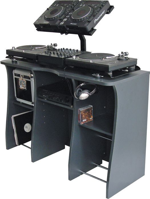 "Sefours XE040 is a large bracket set for the X300 (Sku# 501012) and X600 (Sku#501019) DJ stands. It's ideal for a 2 Pioneer CDJ-1000 (Sku#801502) or equivalent CD players, a large laptop, or an effects pad. The durable bracket is made of steel with grooves to keep your equipment in place. Holds 2 CD players, a laptop, or effects padAttaches to X300 or X600 standMade of steelAdjusts from 12.5"" to 17.5""'"