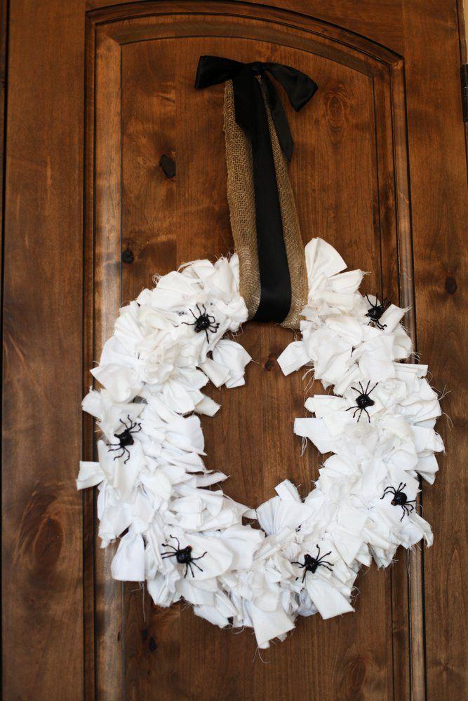 DIY Spooky Halloween Wreath :: TomKat Studio for DIY Network http://www.thetomkatstudio.com/blackandwhitehalloween