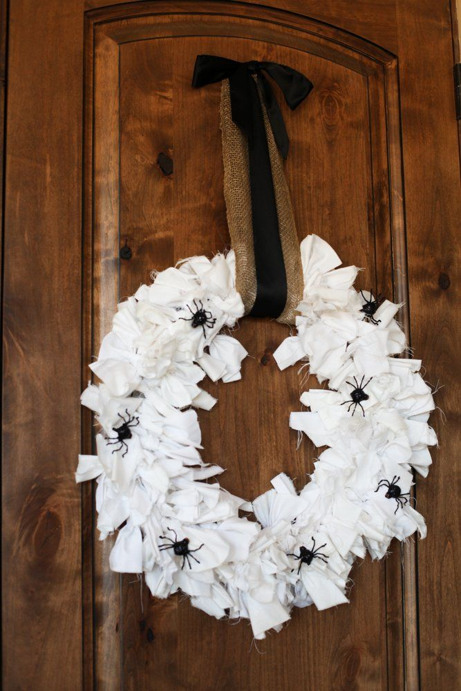 DIY Spooky Halloween Wreath :: TomKat Studio for DIY Network http://www.thetomkatstudio.com/blackandwhitehalloweenThe Doors, Black And White, Front Doors, White Halloween, Halloween Decor Ideas, Spooky Halloween, Halloween Wreaths, Crafts Stores, Halloween Diy