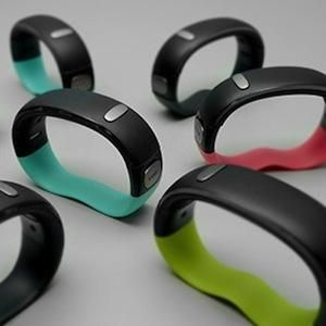 W/Me Wristband Takes Wellness Tracking to the Next Level