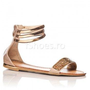 Sandalele Artemis bej sunt un model foarte cautat in aceasta vara. SandaleleArtemis bej sunt foarte practice, deoarece accepta multe stiluri vestimentare. Indiferent ca esti la birou sau la terasa, vara aceasta, Artemis bej te vor scoate din impas, oferind piciorului tau exact ce are nevoie: aer si stabilitate!